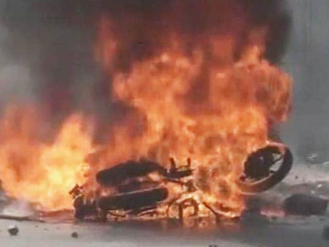 Video : Gujarat Cop Attacked, Bike Set On Fire, Assault Caught On Camera