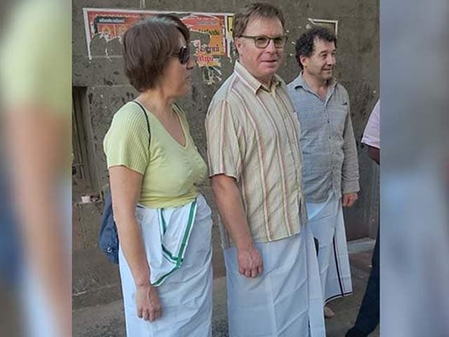 Video : Foreigners Wrap Dhotis Over Jeans, Skirts To Enter Tamil Nadu Temples