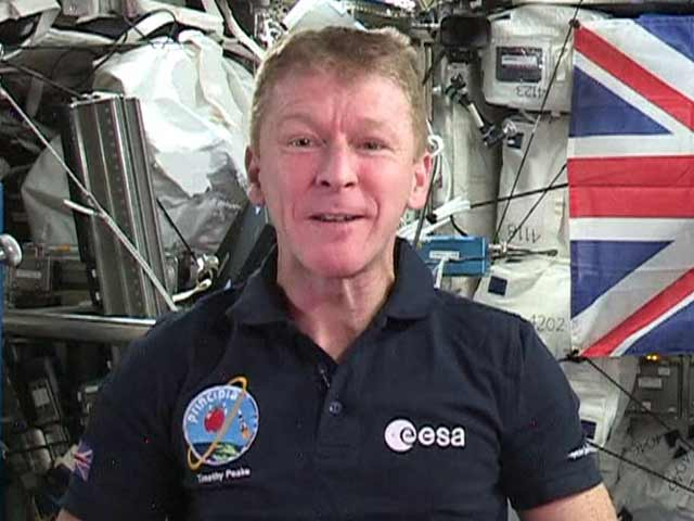Video : British Astronaut in Space Announces God Save the Queen