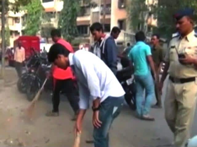 Video : For Molesting Woman, Men Told To Sweep Streets For 6 Months