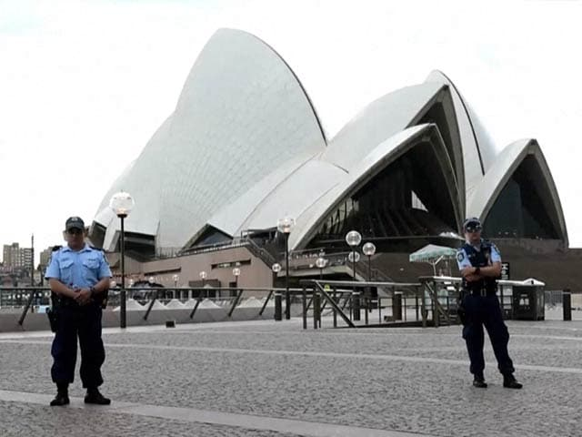 Video : Security Scare at Sydney Opera House