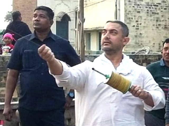 Video : Aamir Khan's  Kite-<i>Dangal</i> in Punjab