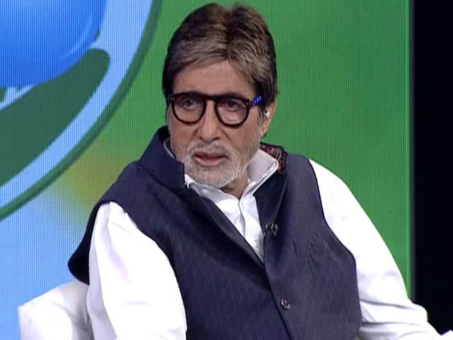 Video : Amitabh Bachchan Pledges 50 Hours This Year to Swachh India