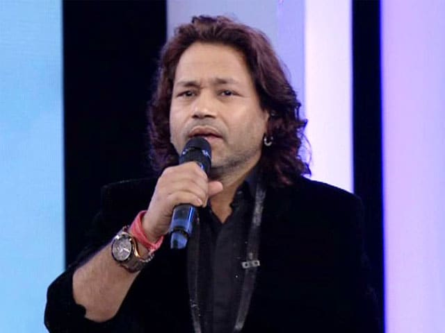 Kailash Kher Performs During 12-Hour Cleanathon