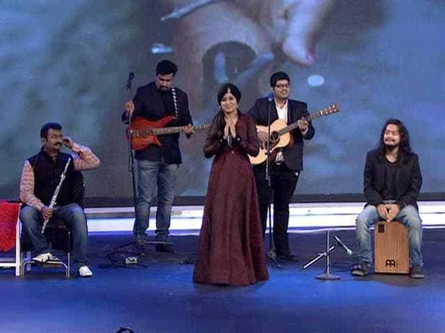Harshdeep Kaur Performs at the #SwachhIndia Cleanathon
