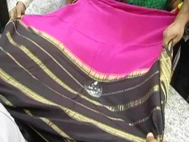 Video : Waterproof Saree Worth a Lakh: Siddaramaiah's Gift to Wife