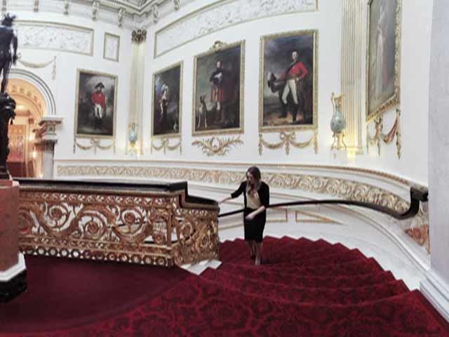 Video : Google Unveils Virtual Tour of Buckingham Palace