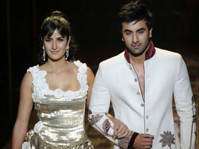 Video : The Ghazab Status of Ranbir, Katrina's Ajab Prem