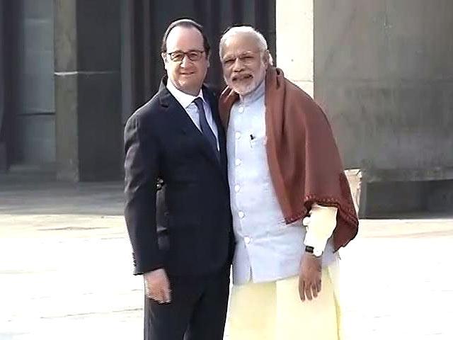 Video : फ्रांस के राष्ट्रपति तीन दिन के भारत दौरे पर, रॉक गार्डन में पीएम मोदी ने किया स्वागत