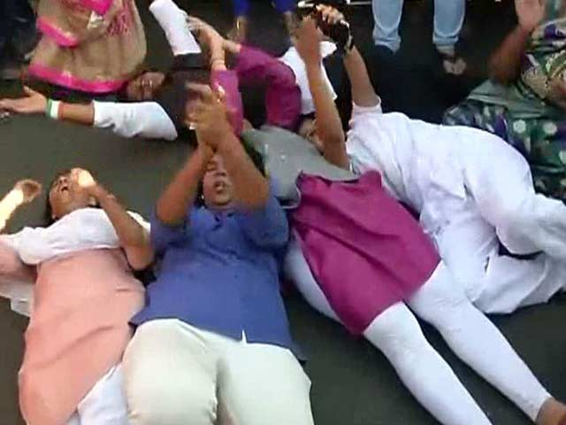 Video : In Shani Temple Dispute Over Women, Chief Minister Fadnavis Picks A Side