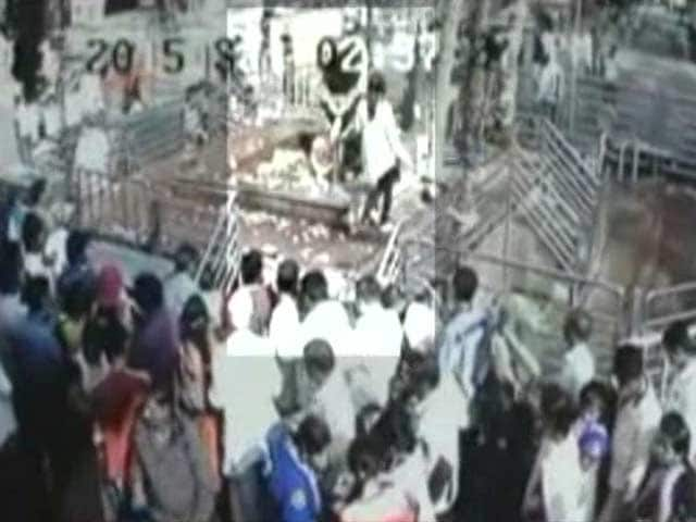Video : CCTV Footage Of Woman Entering Shani Temple Where Idol Is Placed