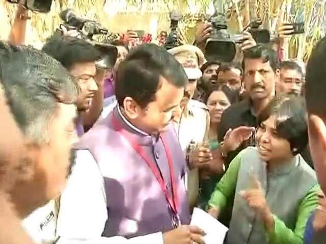 Video : After Tweet, Devendra Fadnavis Meets Women Activists On Shani Temple