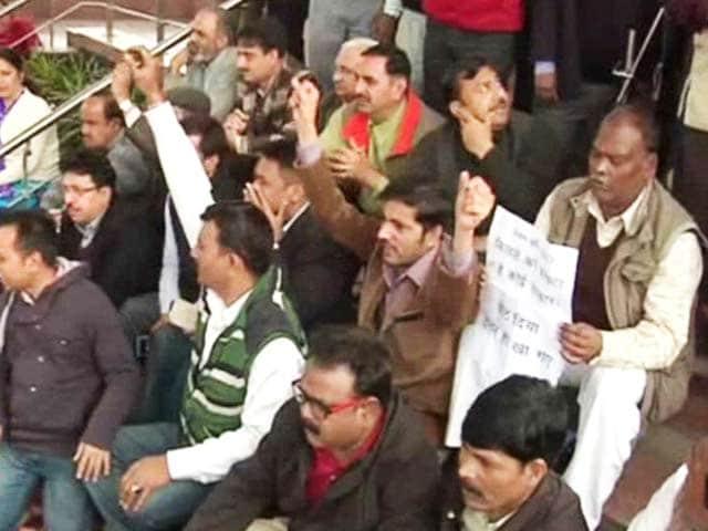 Video : Now Doctors, Teachers Join Sanitation Workers' Strike In Delhi