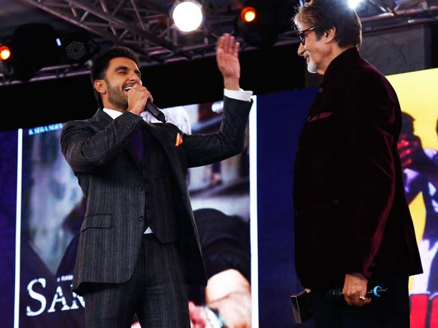 On Stage, Ranveer Singh Does A Big B