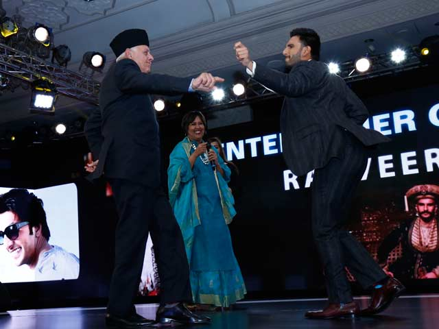 NDTV's Video of Ranveer Singh-Farooq Abdullah Dance-off Goes Viral. Watch.