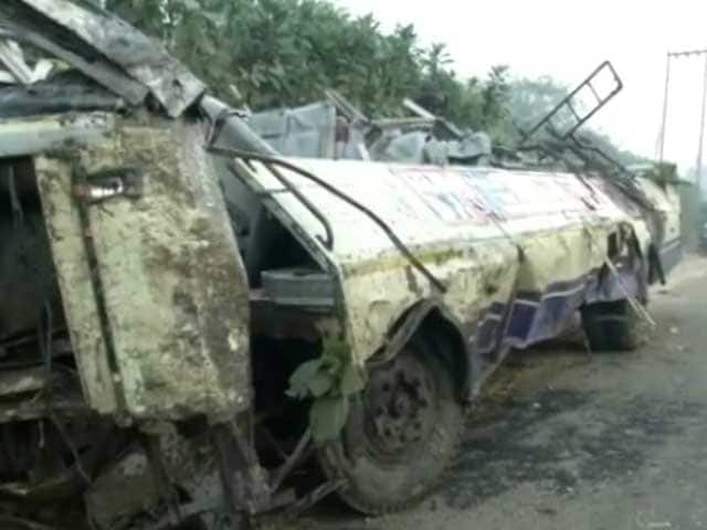 Video : 13 Killed, 32 Injured As Bus And Truck Collide In Tamil Nadu