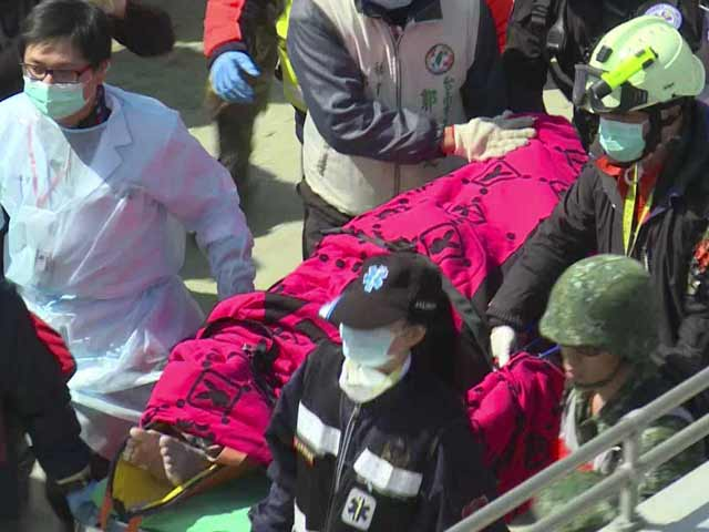 Video : 2 Survivors Rescued From Rubble of Taiwan Quake