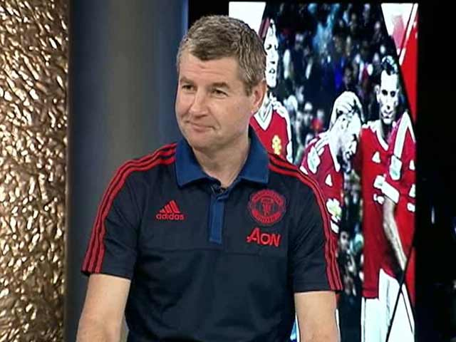 Video : Dennis Irwin Rates Alex Ferguson Cut Above The Rest