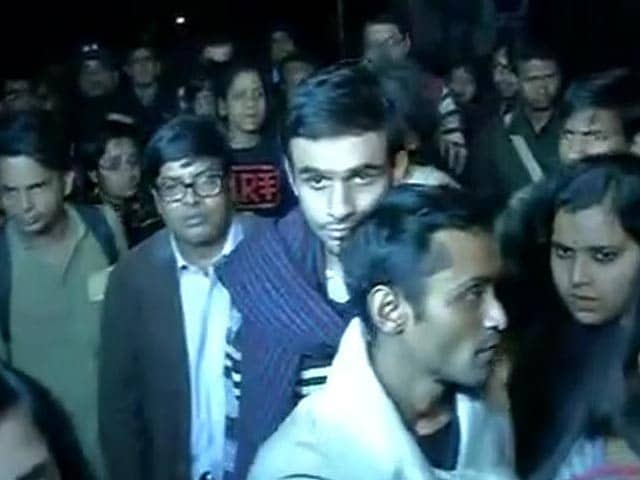 Video : JNU Students Umar Khalid, Anirban Accused Of Sedition, Surrender