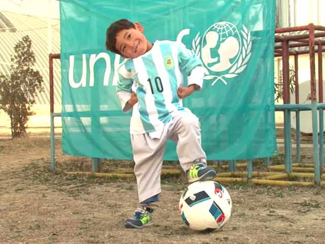 Video : Afghan Boy Who Went Viral Gets Signed Messi Shirts