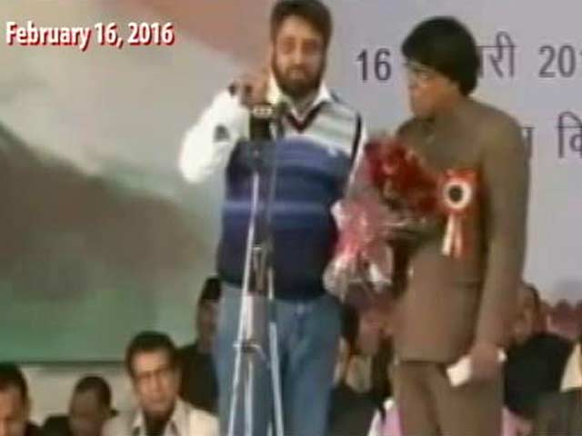 Video : AAP Lawmaker Heard Abusing Modi Government, Party Questions Video