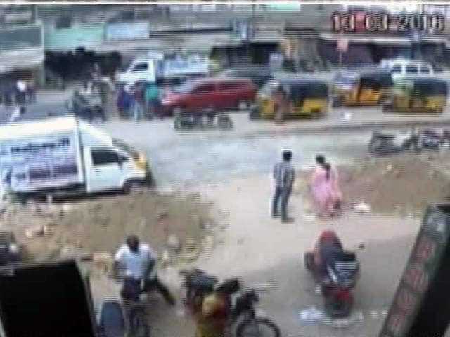 Video : Tamil Nadu Dalit Student Hacked On Crowded Road, Father-In-Law Surrenders