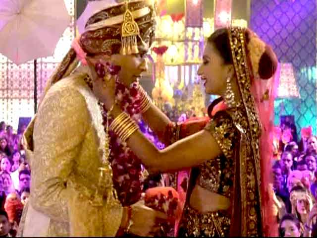 Video : Amisha, Mohit Have a Picture Perfect Wedding on Yarri Dostii Shaadi