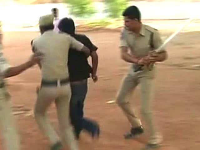 Video : At Rohith Vemula's University, Students 'Jail' Top Official For Six Hours