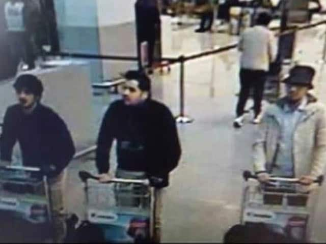 Video : Brussels Attacks: CCTV Images Of 3 Suspects At Airport Released