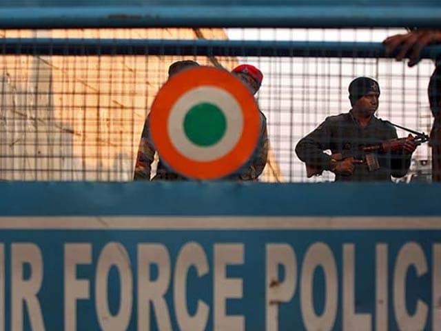 Video : Pak's Pathankot Probe Team, Including ISI Official, Arrives In India