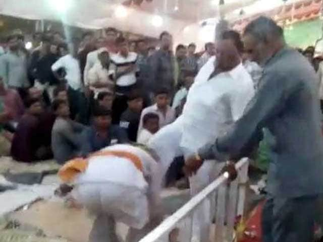 Video : Gujarat BJP Lawmaker 'Admits' To Kicking Man, Says It's Small Incident