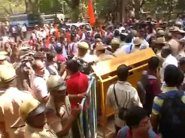 Video : 'Won't Take Exam Again,' Say Bengaluru Students After Second Paper Leak