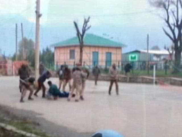 Video : Unrest At Srinagar's NIT Campus Again, CRPF Deployed, Batons Used