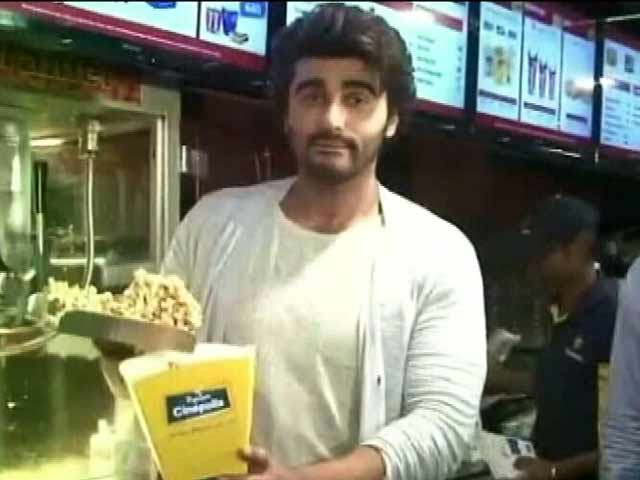 When Arjun Kapoor Served Popcorn at a Theatre