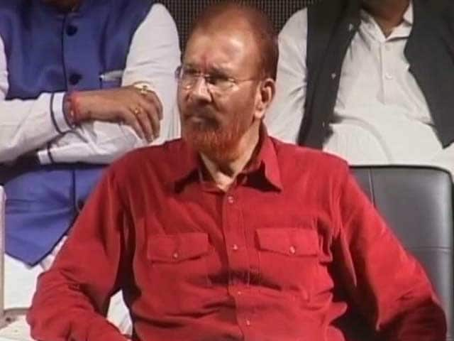 Video : Chariot, Flowers For Gujarat 'Encounter Cop' DG Vanzara's Ghar Wapasi