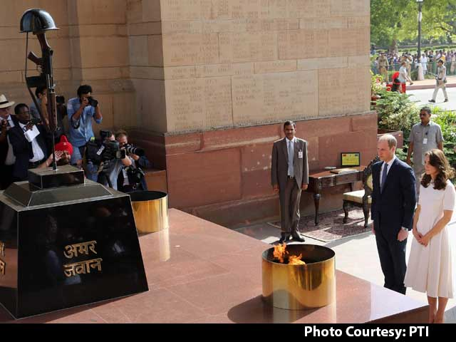 Video : William And Kate Visit India Gate, Pay Respects To Soldiers