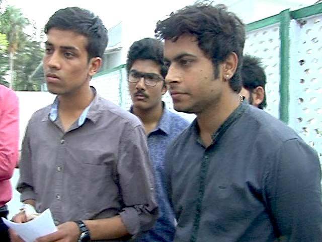 Videos : केंद्रीय मंत्रियों से मिले NIT श्रीनगर के छात्र, अपनी सुरक्षा का मुद्दा उठाया