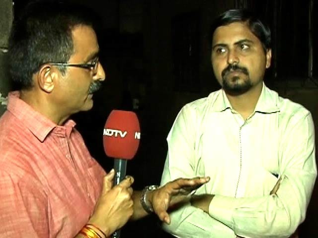 Video : डॉक्टर का आरोप, डराकर कैदियों से लूटते हैं 10-20 लाख रु. महीना