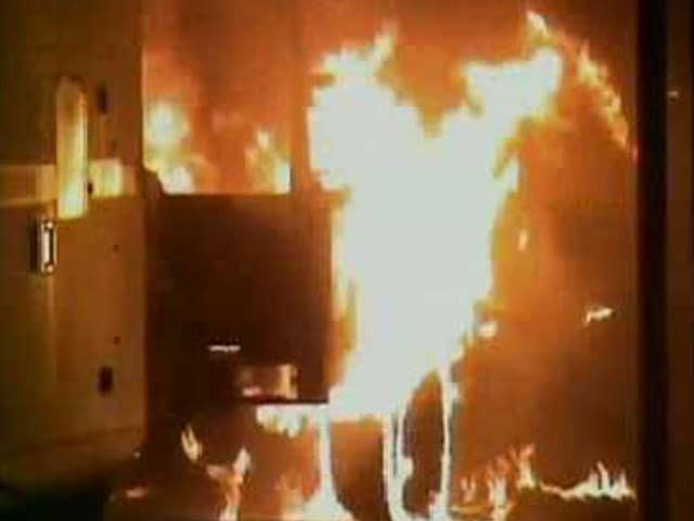 Video : One Dead In Clashes At Aligarh Muslim University, Office Set On Fire