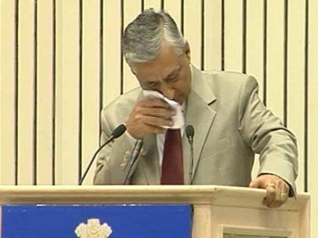 Video : Justice TS Thakur Breaks Down Before PM, Stresses Need For More Judges