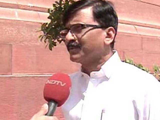 Video : 'World Traveller' PM Modi Should Visit Drought-Hit Areas, Says Upset Shiv Sena