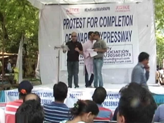 Video : Dwarka Expressway: Buyers Protest Reaches Jantar Mantar