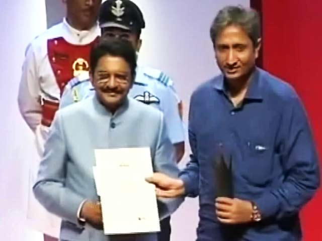 Video : NDTV के पांच पत्रकारों को रेड इंक अवार्ड, रवीश कुमार 'जर्नलिस्ट ऑफ द ईयर'