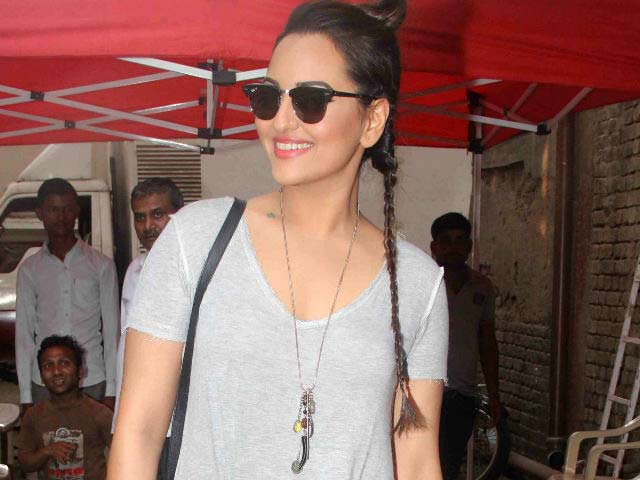 Video : Sonakshi Opts Out of Haseena Biopic