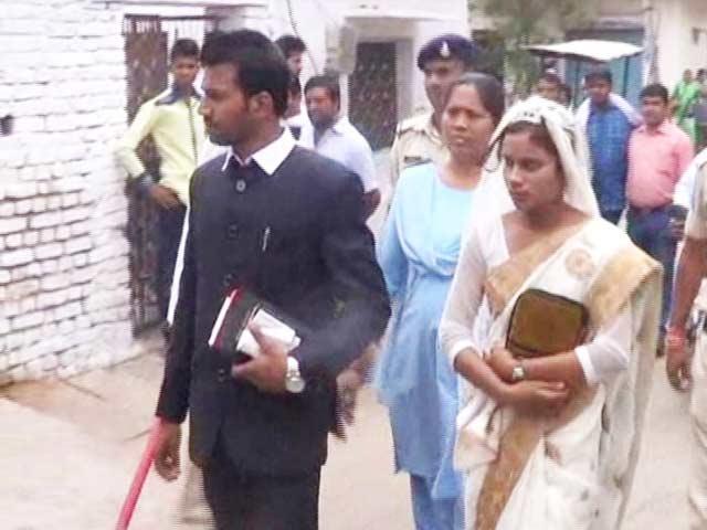 Video : Bajrang Dal Men Stop Minor's Church Wedding In Madhya Pradesh