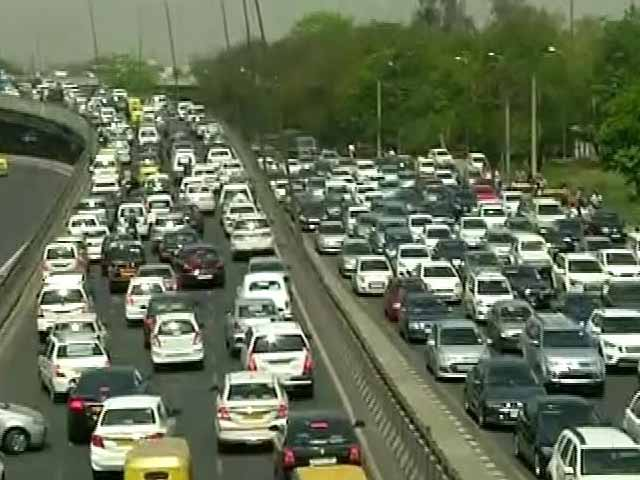 Video : Massive Jams In And Around Delhi As Taxi Drivers Protest Diesel Cab Ban