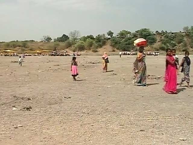 Video : Water Tankers Bought For Last Rites As Godavari Becomes A Muddy Stretch