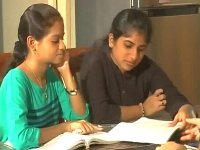 Video : Mandatory NEET: Panic In Entrance Test Free Tamil Nadu