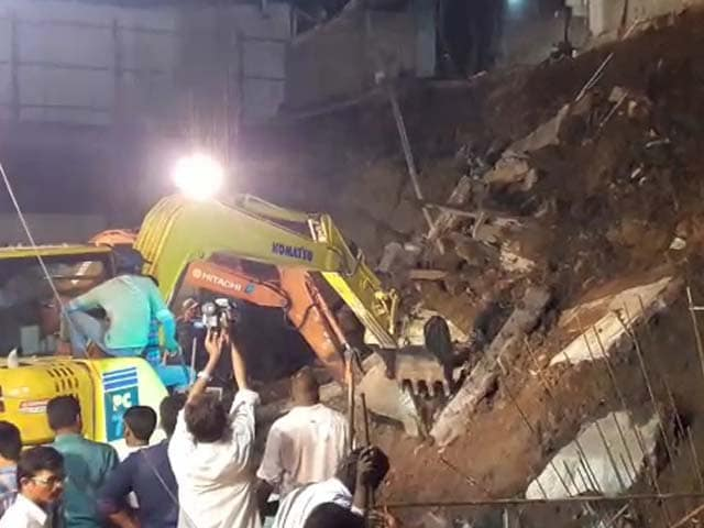 Video : 7 Killed As Wall Collapses In Andhra Pradesh's Guntur
