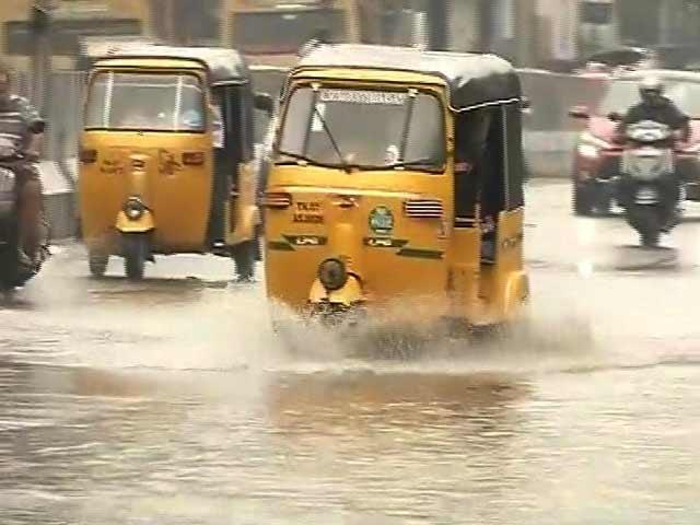 Video : उत्तरी तमिलनाडु, आंध्र प्रदेश के तटीय इलाकों में चक्रवाती तूफान की चेतावनी